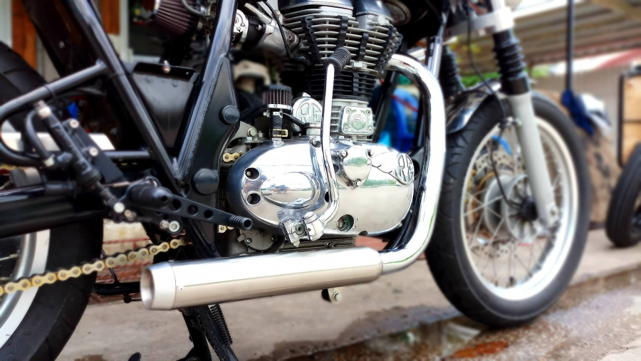 Royalenfiled Caferacer BY Zero Custom